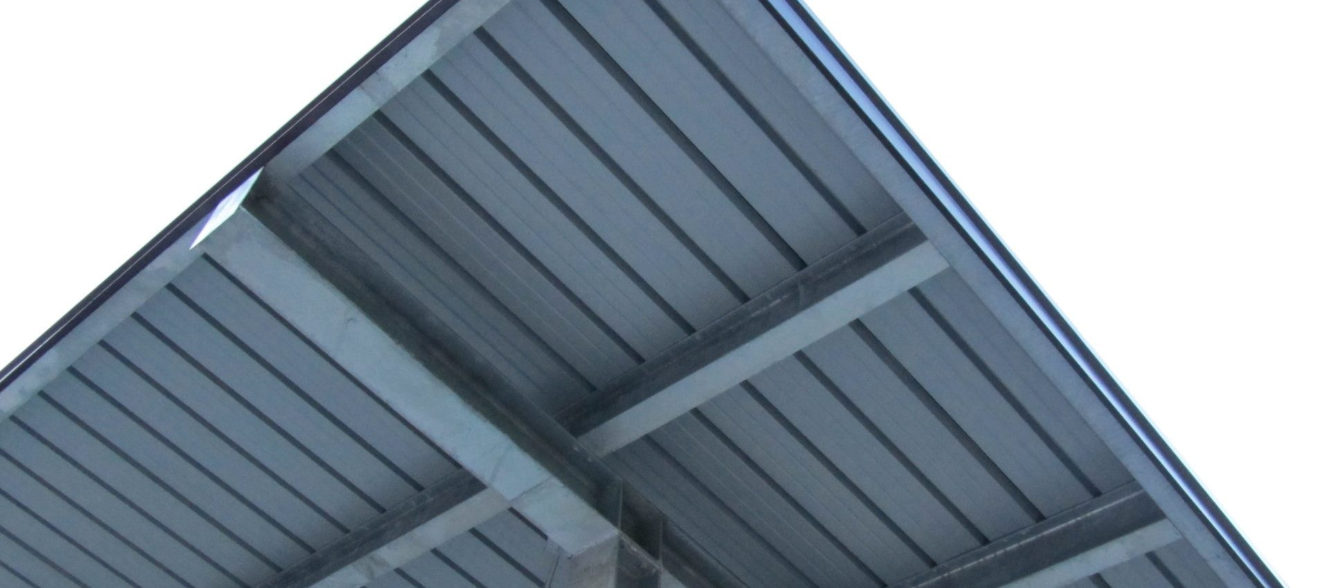 tettoia in carpenteria metallica Castellavazzo